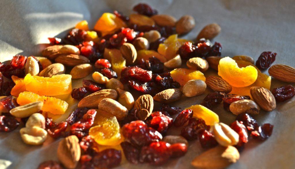 white chocolate cranberry nut bark01 1