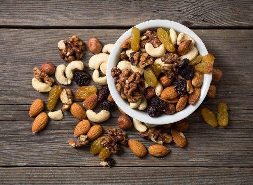 mixed-nut-trail-mix-500x366
